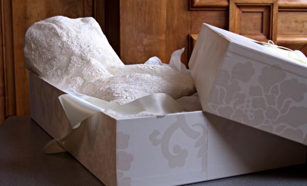 wedding-dress-packaging